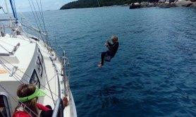 huśtawka nad wodą to najlepsza zabawa